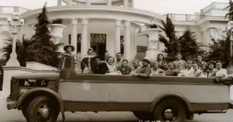 Первый советский автобус кабриолет