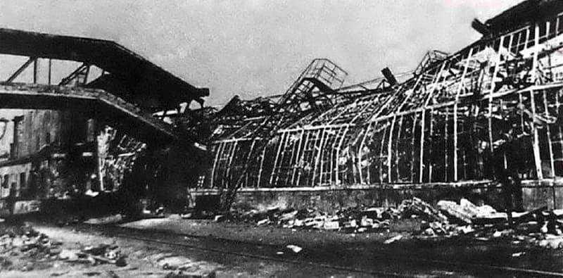 Разбомбленный цех завода Нител