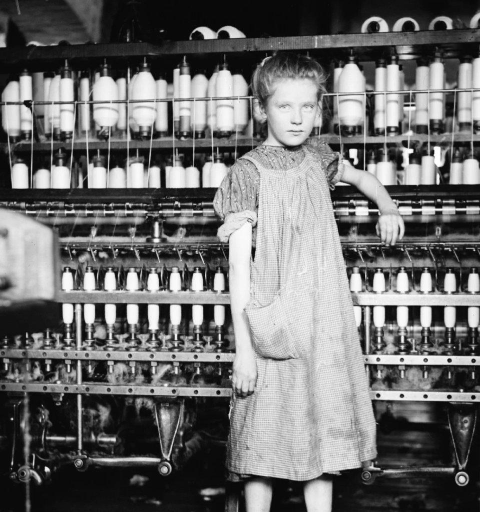 12 летняя Эдди прядильщица